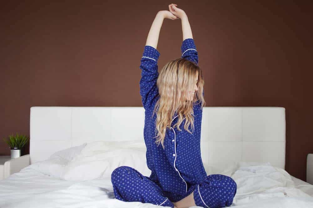 benefits of stretching before bed